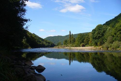 La Dordogne entre Bort et Madic